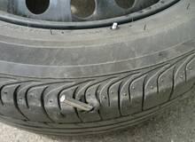 Устранение прокола колеса